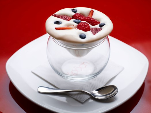 Blueberry-raspberry-strawberry_dessert_at_Epoch_Restaurant_Starstreet_Precinct_Hong_Kong.jpg