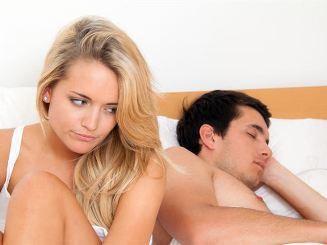 couple-bed-_thmc.jpg