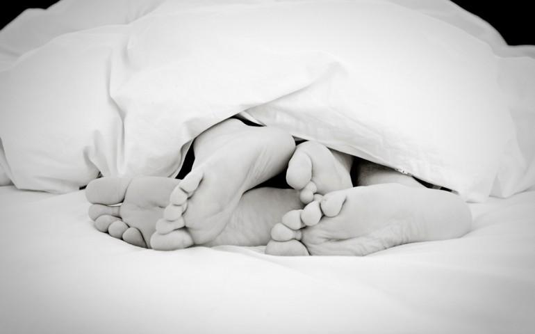 nohy_v_posteli.jpg